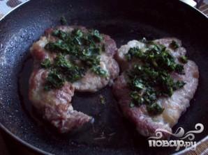 Свинина под сыром и шпинатом - фото шаг 4