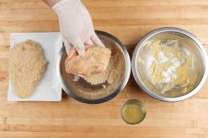 Куриная грудка в горчице и сухарях - фото шаг 3