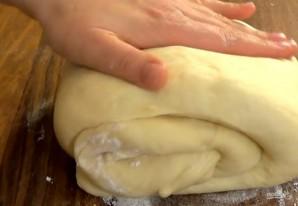 Сдобное дрожжевое тесто на сметане - фото шаг 4