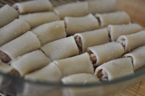 Макароны фаршированные в духовке - фото шаг 5