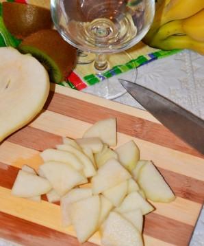 Десерт со взбитыми сливками и фруктами - фото шаг 2