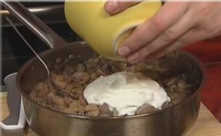 Грибной суп в бородинском хлебе - фото шаг 4
