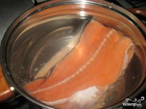 Суп из семги с креветками - фото шаг 1