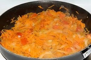 Тушеная свинина на сковороде - фото шаг 5