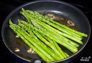 Спаржа на сковороде - фото шаг 4
