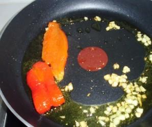 Перец на сковороде - фото шаг 4