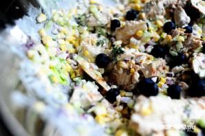 Куриный салат с сыром фета и кукурузой - фото шаг 6