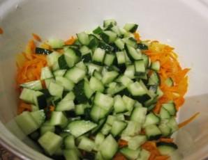 Салат с колбасой полукопченой - фото шаг 5
