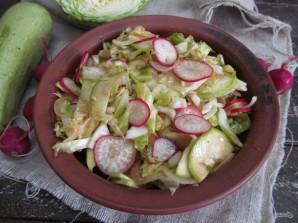 Салат по-корейски из капусты с редисом и кабачком  - фото шаг 11