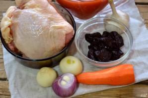 Курица с черносливом - фото шаг 1