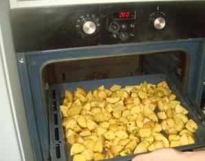 Картошка с зеленью и чесноком - фото шаг 5