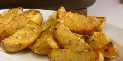 Вкусная картошка в духовке дольками - фото шаг 4