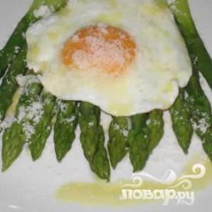 Спаржа с яйцом - фото шаг 9