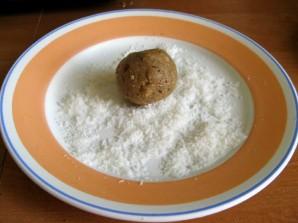 Конфеты из печенья - фото шаг 4