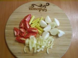 Курица, запеченная с картофелем и овощами - фото шаг 3