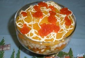 Новогодний салат из красной рыбы с огурцом - фото шаг 3
