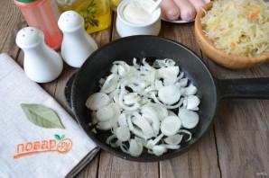 Суп с квашеной капустой и сосисками - фото шаг 2