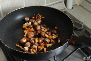 Легкий салат с лисичками и шампиньонами - фото шаг 3