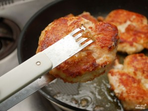Куриная грудка в грибном соусе - фото шаг 5
