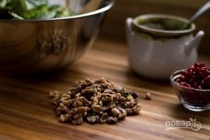 Салат с грецкими орехами и гранатом - фото шаг 2