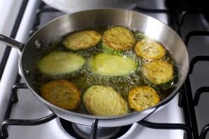 Салат из цукини и макарон - фото шаг 4