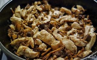 Индейка с грибами в сливочном соусе - фото шаг 3
