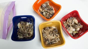 Запеканка из пельменей с сыром и грибами - фото шаг 6