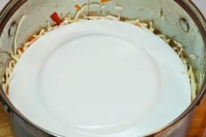 Маринованная капуста с морковью - фото шаг 6