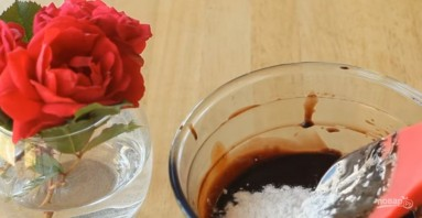 Шоколадный рулет (лучший рецепт) - фото шаг 2