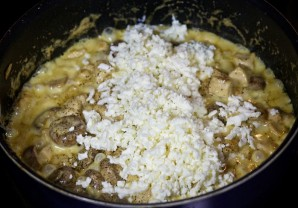 Соус с курицей и грибами - фото шаг 7