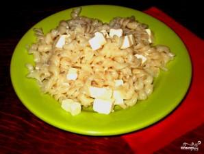 Макароны с плавленым сыром - фото шаг 4