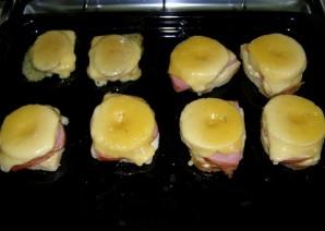 Бутерброды с ананасами и ветчиной - фото шаг 5