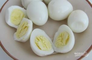 Печень трески с яйцом - фото шаг 1