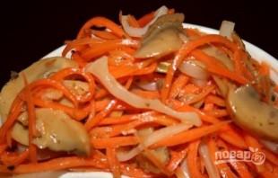 Салат из кальмаров с шампиньонами - фото шаг 6