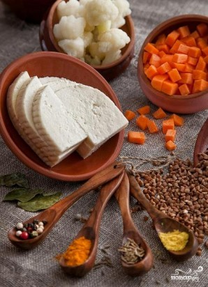 Гречка с овощами и сыром в горшочке - фото шаг 1