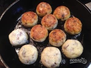 Картофельные тефтели с грибами - фото шаг 6