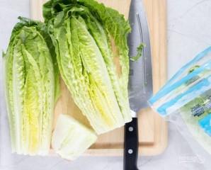 Салат с копченой курицей и ананасами - фото шаг 1