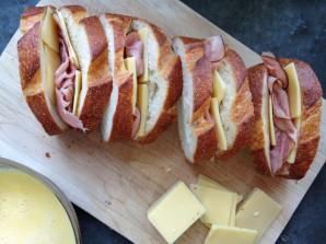 Горячие бутерброды с ветчиной и сыром - фото шаг 3