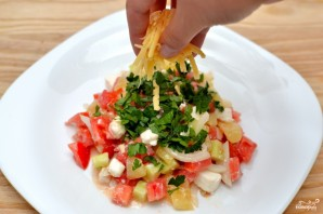 Салат с брынзой и овощами - фото шаг 3