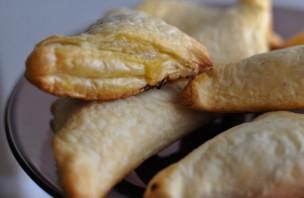 Пирожки из слоеного теста с капустой - фото шаг 5