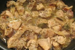Вкусное мясо кусочками на сковороде - фото шаг 7