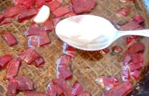 Красный борщ с фасолью - фото шаг 5