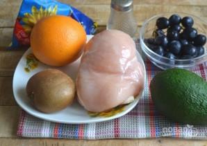 Салат с курицей, авокадо и киви - фото шаг 1