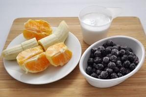Черничный смузи с бананом и кокосовым молоком - фото шаг 1