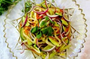 Салат с кальмарами классический - фото шаг 4