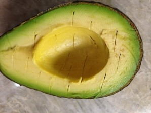 Авокадо с сыром - фото шаг 2