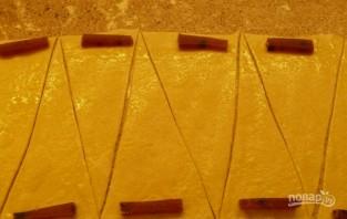 Рогалики с мармеладом из слоеного теста - фото шаг 2