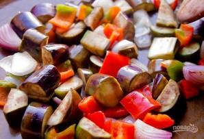 Салат из запеченных овощей с молодым картофелем - фото шаг 3