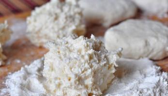 Сырники из творога на сковороде - фото шаг 2