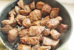 Мясо с фасолью консервированной - фото шаг 2